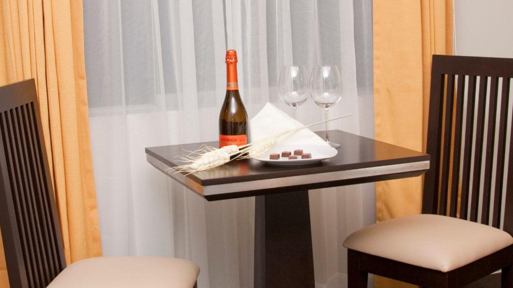 Foto de Room Service del hotel Flamante